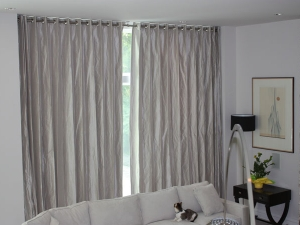 motorized-curtains-livingroom