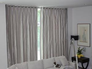 motorized-curtains-livingroom