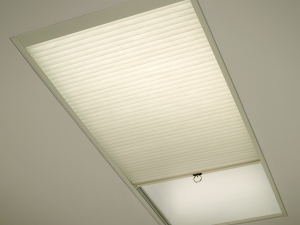 manual-skylight-shade
